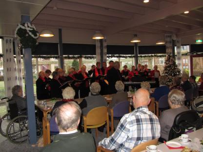 Zonnebloem kerstmiddag met The Jolly Singers (23)